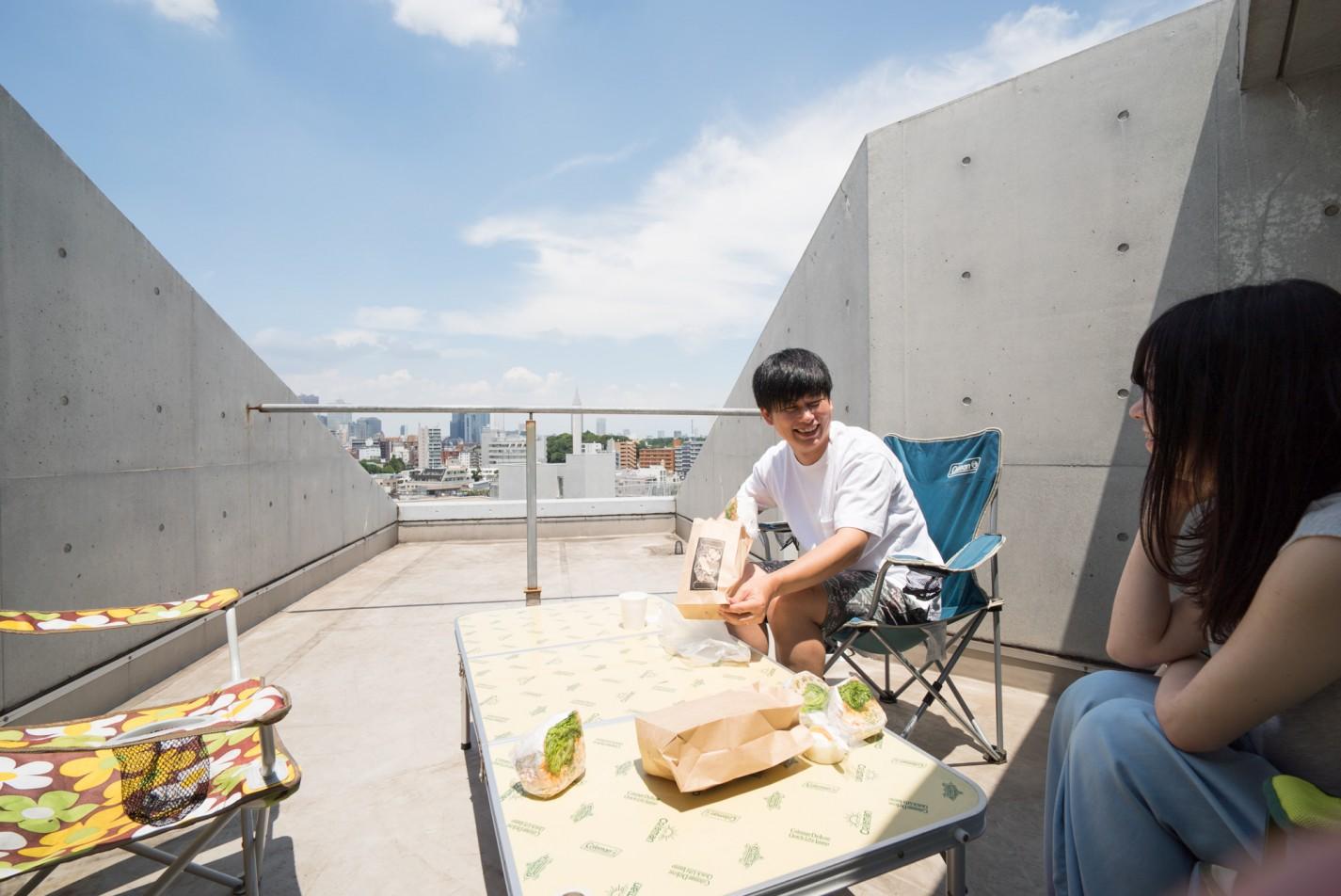 屋上でピクニックランチ